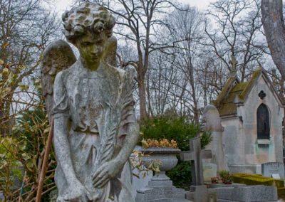 Le Paris sombre – Le cimetière du Père Lachaise et le Manoir de Paris
